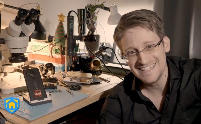 Стоп-кадр из видео-презентации приложения Haven: Keep Watch от Эдварда Сноудена