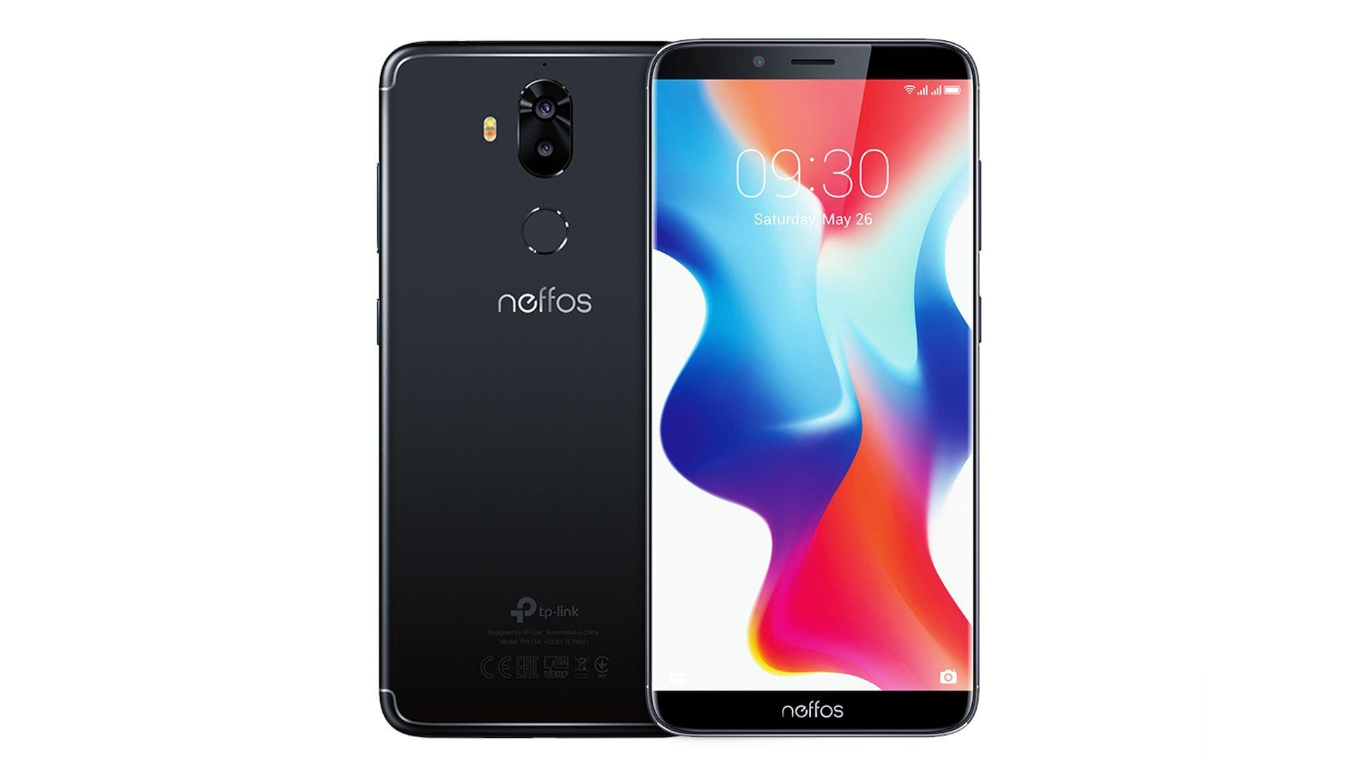 На иллюстрации с двух сторон изображён безрамочный смартфон Neffos X9 с двумя SIM–картами