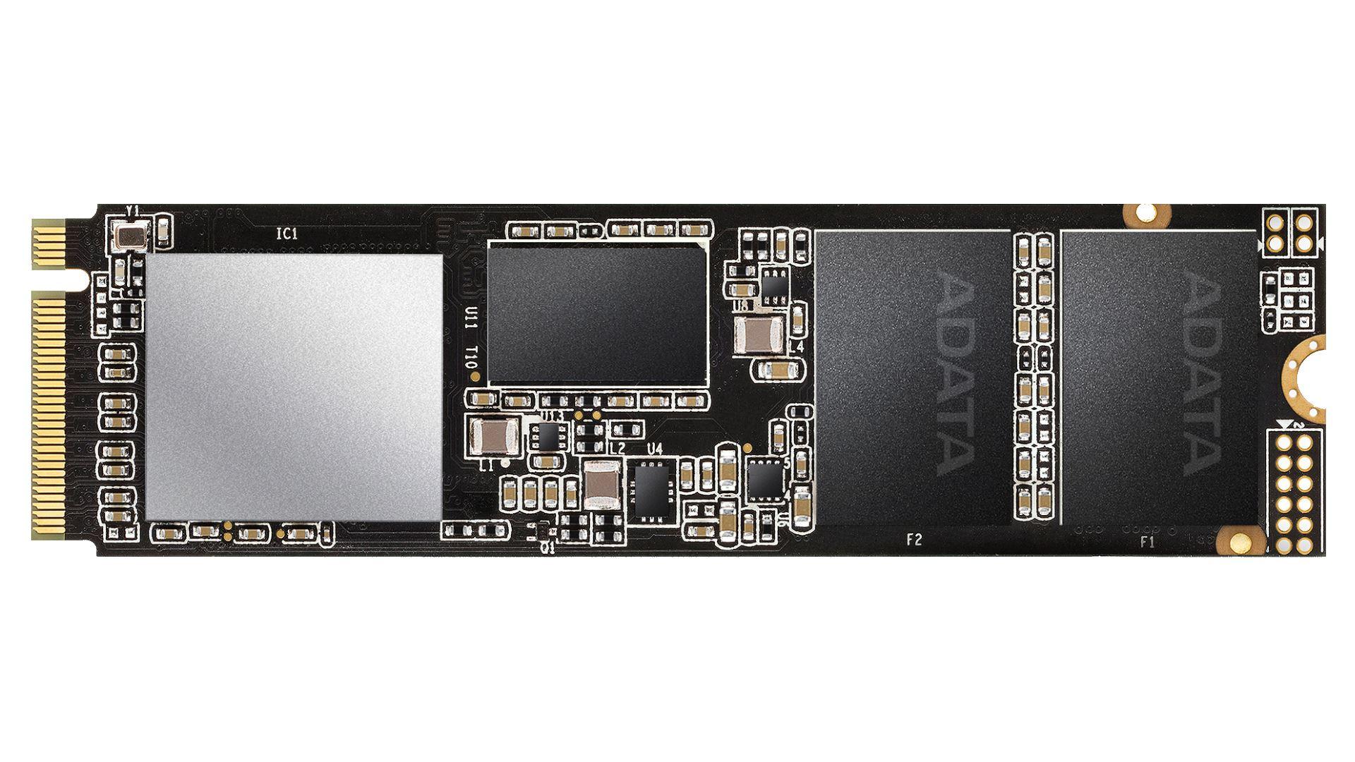 На иллюстрации изображён твёрдотельный накопитель ADATA XPG SX8200 240GB без  радиатора пассивного охлаждения с видом сверху